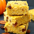 Healthy Pumpkin Oatmeal Bars (No Sugar Added)