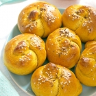 Knotted Pumpkin Dinner Rolls