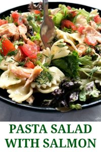 This delicious pasta salad with salmon is everything you need this summer. Light, but filling at the same time, with fresh salad leaves and tomatoes, baked salmon and a tangy dill dressing. Whether you enjoy it at home or on your lunch break at work, or just have a quick dinner, this salad is be your new favourite recipe.