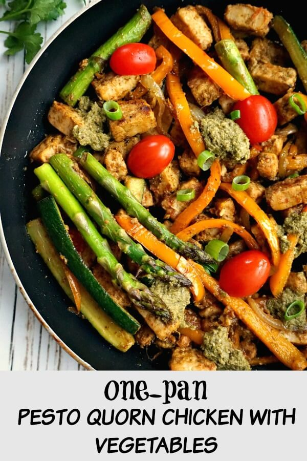 One-Pan Pesto Quorn Chicken with Veggies, a light vegetarian meal for everyone to enjoy. It might not have meat in it, but it certainly is filling and flavourful. The pesto works so well with the quorn, while the asparagus, tomatoes and peppers bring a nice colour and crunch. A healthy vegetarian dinner for everyone to enjoy. Keto, low carb, high protein, this dish is all you need.