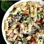 BLT pasta salad with ranch dressing, the best summer recipe and one of my absolute favourite salads. Satisfying enough to make a meal of its own, or the perfect side dish for a smokey BBQ, or a lovely picnic. Ah, don't you just love quick recipes that taste just fabulous?
