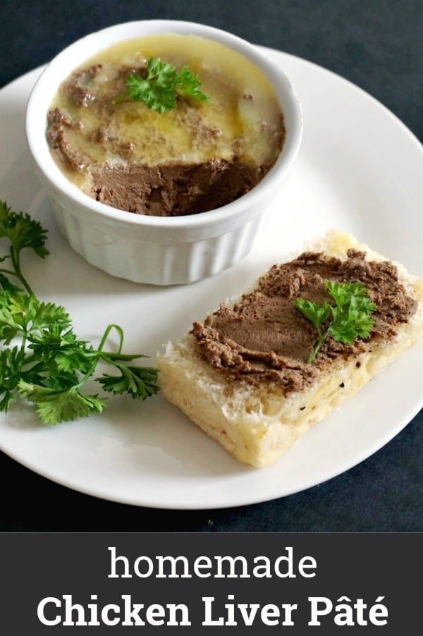 Homemade Chicken Liver Pâté, a delicious cold appetizer to feed a crowd. It has a smooth, creamy texture and it goes very well with any kind of bread, crackers, breadsticks and more. It's an excellent appetizer for parties and gatherings, and it's sure to impress the guests. Healthy, quick, and super delicious!