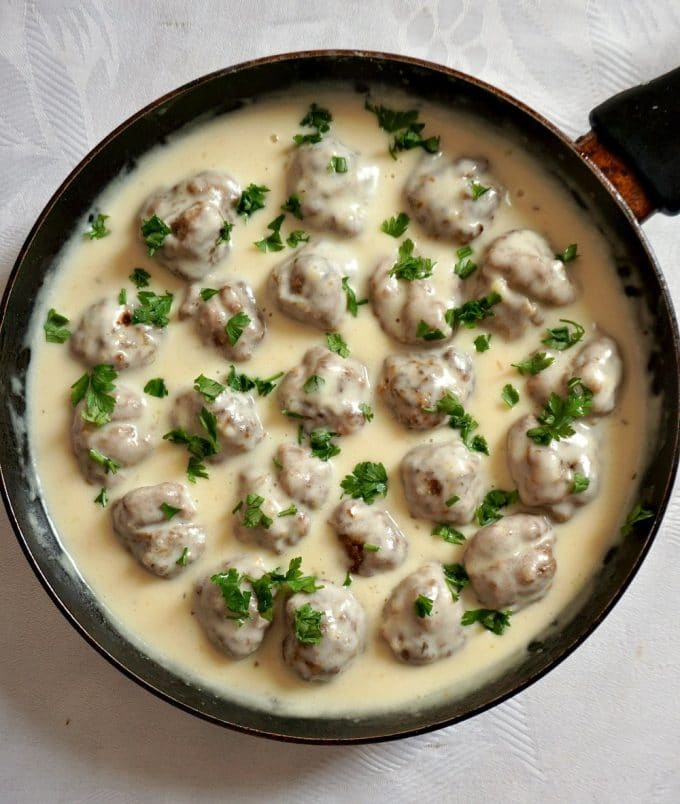 Overhead view of a pan with swedish meatballs