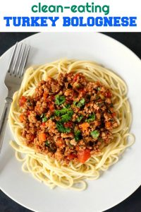 Healthy Turkey Bolognese, a healthy, protein-packed meal that gives comfort food a new meaning. A healthy dinner for the whole family to enjoy. Clean-eating is not only better, but also delicious.