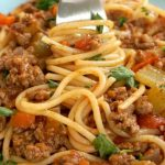 Spaghetti Bolognese, the best comfort food no matter the season. A fabulous homemade bolognese sauce full of big flavours, and the nation's favourite pasta make the best combo for a healthy and nutritious dinner.