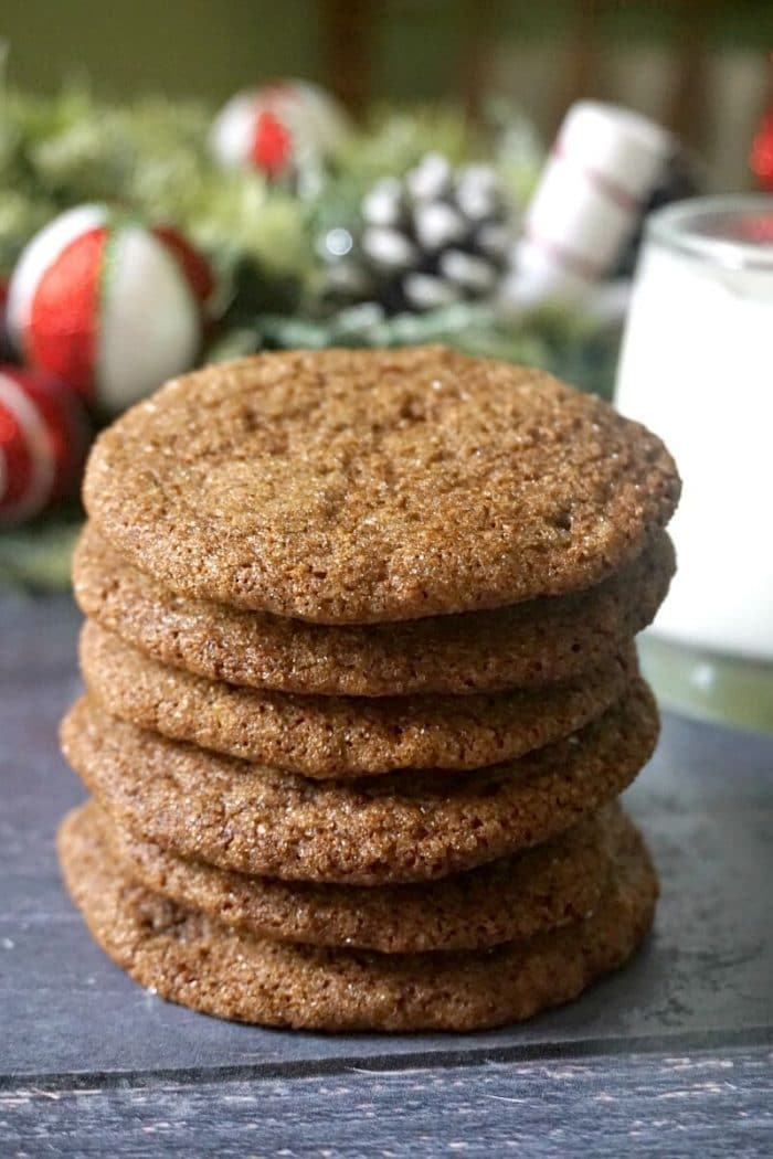 A stack of 6 ginger snap cookies