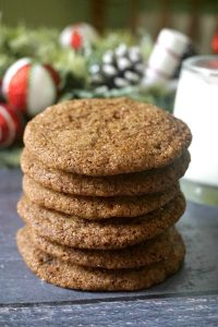 Chewy Ginger Snap Cookies baked the old-fashioned way with molasses and earthy christmassy spices, the best cookies for the festive season. Call them ginger molasses cookies, ginger nut cookies or simply ginger cookies, you know you are in for a treat. The ginger snaps are a traditional Christmas cookie recipe popular all over the world. They are a great edible gift too, and great fun to bake with the kids too. #gingersnapcookies, #gingernutcookies, christmascookies, #cookies